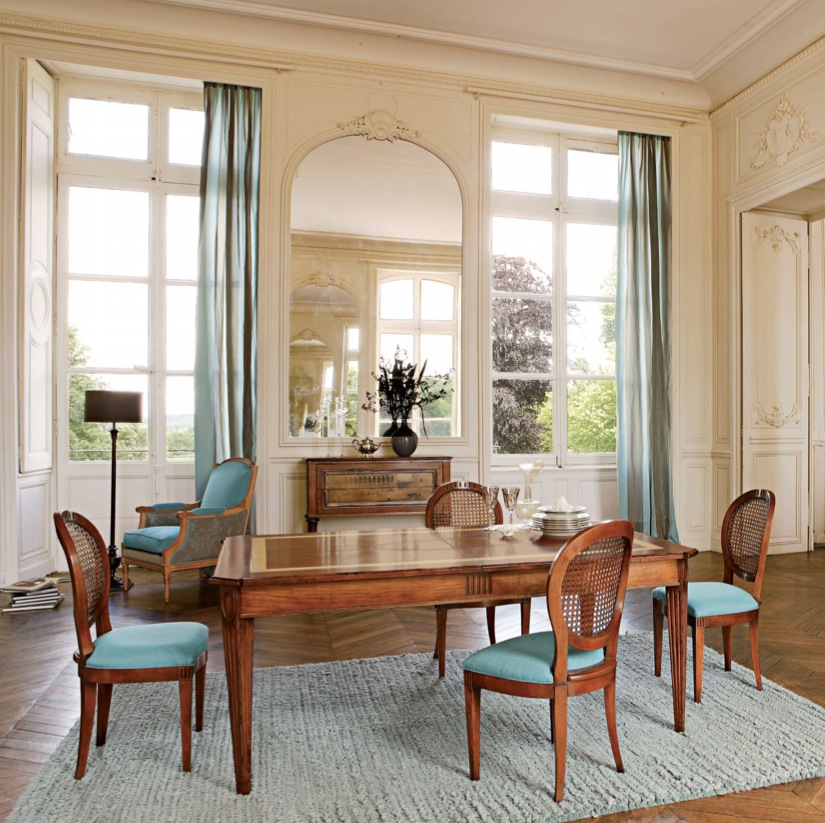 Dining Room With Carpet